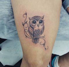 Baby Owl Tattoos, Cute Owl Tattoo, Owl Tattoo Small, Mommy Tattoos, Black Bird Tattoo, Body Art Tattoos, Small Tattoos, Tatoos, Tattoo Owl