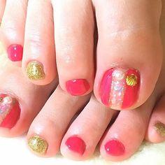 * new ** #newnail#nail#footnail #ネイル#フットネイル#クラッシュシェル#ピンク#ゴールド#summer#夏#セルフネイル#selfnail