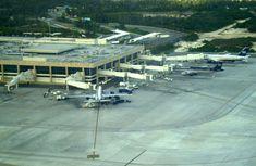 """""""Aeroporto Internacional de Cancún"""". #Cancún, México."""
