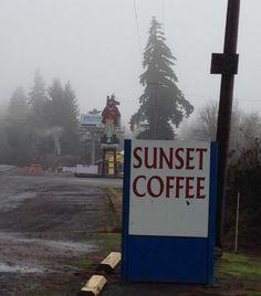Paul Bunyan guards coffee on Hwy 26 in Oregon