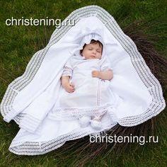 крестильное полотенце для крещения мальчика или девочки  цвет - белый/молочный  основная ткань - коттон, подкладка - батист (100% хлопок) (впитываемость воды в 1,5 раза выше чем у махры)  современный ультратонкий утеплитель - тинсулейт (теплее пуха в 2 раза, не аллергенен)  хлопковое кружево от Мелетти      #Крыжма #крыжмасименем #крестильноеполотенце #крещениемалыша #крестильное #крестильнаяпеленка #крещение #крестины #скоромама #39недель #конвертнавыписку #крестильная   Shop this…