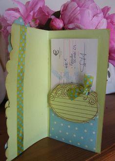 Bonus aujourd'hui... une petite carte surprise..et son petit tuto..elle est pas belle la vie!!!! The carte..sous toutes les...