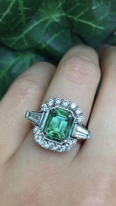 Details about  /Split Shank Radiant Cut Emerald Gemstone White Topaz Ring 9k Rose Gold