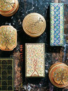 Photos: A Tour of Kashmir - Condé Nast Traveler One of Kashmir's most famous artistic traditions is its painstakingly detailed papier-mâché work. Srinagar, Indian Crafts, Indian Art, Kashmir India, Kashmir Trip, Ferry, India Tour, India India, Blue Hour