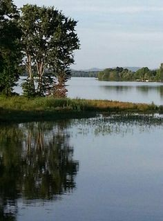 Lake Weiss has approximately 450 miles of shoreline... and countless photo opportunities for the humble admirer.