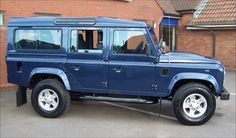 Four-Door-Land-Rover-Defender-Blue-Red-Clay-Soul