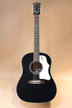 Gibson 1960's J-45 EB (2013) : Reissue of 1960's J-45 Ebony. Monthly Limited Run