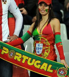 Spain, Portugal fans banter in friendly rivalry at World Cup 2014 Soccer World Cup 2018, Fifa World Cup, Football Girls, Football Match, Soccer Fans, Football Fans, Portugal Soccer, Russia World Cup, World Cup 2014