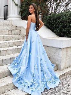 Sweetheart Sky Blue Long Prom Dresses with 3D Floral Applique Floral Prom Dresses, Beautiful Prom Dresses, Prom Dresses Blue, Ball Dresses, Pretty Dresses, Strapless Dress Formal, Formal Dresses, Light Blue Dresses, Grad Dresses