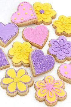 Decorating Sugar Cookies with Royal