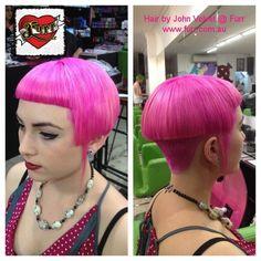 Pink, baby bangs and high buzzed back Graduated Bob Haircuts, Stacked Bob Hairstyles, Hairstyles With Bangs, Cool Hairstyles, Really Short Hair, Short Hair Cuts, Short Hair Styles, Hair Color Pink, Pink Hair