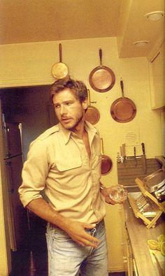 Harrison Ford in the kitchen, late 1970s. #oldschoolcool