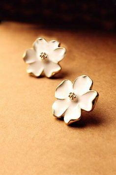 Vintage Jasmine Flower Ear Stud