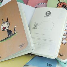 12 diarios Macanudos Por: Liniers Doce de tus personajes favoritos de Macanudo, en cuadernos pocket, ideales para llevar a todas partes. Y una caja contenedora que te permite agruparlos para formar una serie: tu propia colección de ideas, momentos, recetas... ¡lo que quieras!