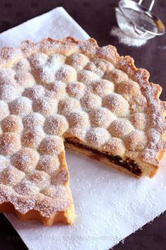 crostata di amarene e amaretti...by lo scief scientifico