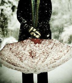 grafika snow, winter, and umbrella I Love Snow, I Love Winter, Winter Is Coming, Winter Snow, Winter Christmas, Winter Walk, Winter Green, Cosy Winter, Snow Fun