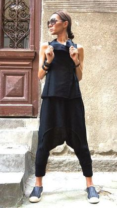 NEW Loose Casual Black Drop Crotch Linen Knit Harem Pants / Extravagant Black Pants by AAKASHA - This gorgeous comfortable black loose drop crotch pants will be your Must have garment for the new - Mode Style, Style Me, Sport Style, Drop Crotch Pants, Mode Jeans, Black Pants, White Pants, What To Wear, Harem Pants