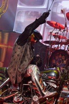 #RobHalford Rob Halford, Famous Musicians, Judas Priest, Concert Photography, Rock N, Fire Trucks, Heavy Metal, 4 Life, Type 3