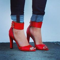 red pumps + cuffed jeans.