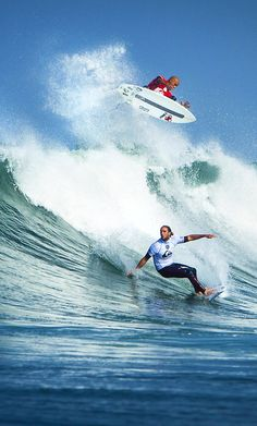 WOW... Kelly Slater (above)... Matt Wilkinson (below)... Photo: ASP