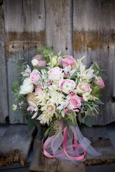 wedding-scrap-book:  Beautiful spring bouquet! Check out Ruffled for the bouquet recipe!