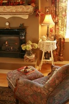 Romantic Chicago Restaurants View the Home Decor Websites Like Pottery Barn case Romantic Cottages For Two With Hot Tub the Romantic Chicken Dinner For Two Tasty Vintage Cottage, Decor, Cottage Living Rooms, Cottage Interiors, Cottage Decor, Home, English Country Decor, Home Decor, Room