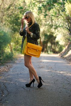 the bag in this yellow-orange color = <3