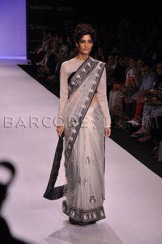 Interesting design on this net Saree