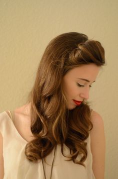 29 Stunning Vintage Wedding Hairstyles    we ❤ this!  moncheribridals.com  #halfuphalfdownweddinghair