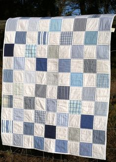 New memory quilting ideas squares Ideas Blue Quilts, Scrappy Quilts, Easy Quilts, Denim Quilts, Patchwork Jeans, Plaid Quilt, Striped Quilt, Colchas Quilting, Quilting Designs