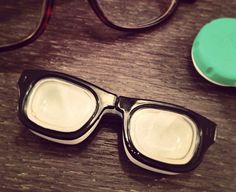Retro Specs Contact #Lens #Case - $11 / Keep your lenses safe in these specs. For use with hard and soft contact lenses.http://thegadgetflow.com/portfolio/retro-specs-contact-lens-case/
