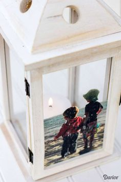 DIY Picture Frame Idea: Unique Lantern Frame - Darice Make your own personalized & unique DIY picture frame with this step by step tutorial. Transfer the image of your choice for a one of a kind display piece! Diy Photo, Cadre Photo Diy, Photo Craft, Unique Picture Frames, Picture Frame Crafts, Picture Gifts, Picture Craft, Personalized Picture Frames, Crafts With Pictures