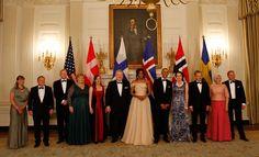 Barack Obama kehui vaimoaan kauniiksi - Jenni Haukio edusti Linnan juhlien muokatussa puvussa