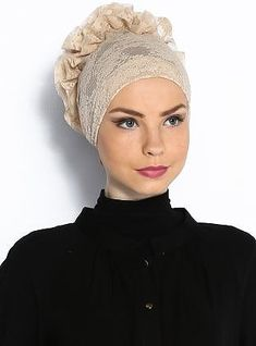 Hijab tie back underscarf are ideal for extra coverage and keeping hair tucked away in place, whilst the ruffle pattern on the back gives your hijab enough volu Fascinator Hats, Headpiece, Headdress, Moda Retro, African Head Wraps, Hair Cover, Turban Hat, Hijab Tutorial, Mode Hijab