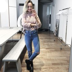 "409 Likes, 5 Comments - Jana Aasland (@janaaasland) on Instagram: ""snap: yana-aa  #work #denim #drmartens #knit #asos #asos_de #mirror #messyhair #jeans #bluejeans…"""