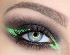 To jest hit! Wiosenny makijaż z pokazu Versace [wideo] - Artykuł