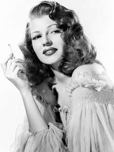 """theritahaywortharchive: """"""""Rita Hayworth in a publicity photo for Gilda Photo by Robert Coburn """" """" Old Hollywood Glamour, Vintage Glamour, Vintage Hollywood, Classic Hollywood, Classic Actresses, Hollywood Actresses, Hollywood Icons, Hollywood Star, Rita Hayworth Gilda"""