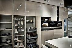 5 kitchen trends we love Kitchen Interior, Room Interior, Kitchen Decor, Kitchen Design, Decor Interior Design, Interior Design Living Room, Living Room Designs, Kitchen Cabinet Storage, Condo Decorating