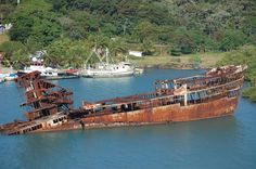 Ship left to rot away in Costa Rica [1024x681]