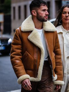 Sheepskin Throw, Sheepskin Jacket, Shearling Coat, Hooded Jacket, Fur Coats, Men Sweater, Leather Jacket, Mens Fashion, Bomber Jackets