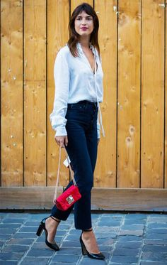 All the French Fashion Tricks You Can Steal From Jeanne Dama.- All the French Fashion Tricks You Can Steal From Jeanne Damas Jeanne Damas-French style, simple and chic - Jeanne Damas, French Girl Style, French Girls, French Classic Style, German Girls, Classic Chic, Look Fashion, Girl Fashion, Fashion Tips