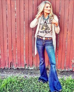 My style yes to bell bottoms Cowgirl Outfits, Preppy Outfits, Western Outfits, Fall Outfits, Cute Outfits, Cowgirl Clothing, Cowgirl Jewelry, Punk Jewelry, Western Jewelry