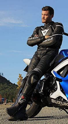 As a beginner mountain cyclist, it is quite natural for you to get a bit overloaded with all the mtb devices that you see in a bike shop or shop. There are numerous types of mountain bike accessori… Motard Sexy, Bike Photoshoot, Bike Leathers, Motorcycle Suit, Mens Golf Outfit, Riders On The Storm, Biker Boys, Biker Gear, Sailing Outfit