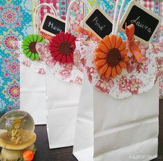 A LA MESA CON GLAMOUR: Como decorar regalos para Primera Comunión