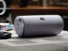 Listening to music outdoors under all weather conditions won't be much of a problem if you have the JBL Flip 3.