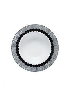 Räsymatto deep plate by Marimekko Marimekko, Assiette Design, Scandinavia Design, Soup Plating, Ceramic Tableware, Kitchenware, Plate Design, Nordic Design, Black Decor