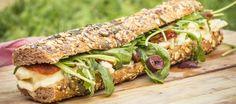 Un poco italiano, algo francés y 100% lujurioso, este bocata es un plan perfecto para cualquier picnic o cena sabrosos, frescos y vegetarianos.