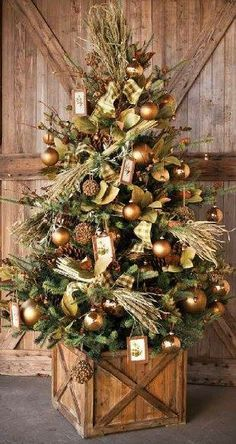 The FarmHouse Christmas Tree Box Tree Skirt Tree Collar - christmas dekoration Noel Christmas, All Things Christmas, Christmas Wreaths, Christmas Crafts, Christmas Tree Box Stand, Rustic Christmas Trees, Christmas Ideas, Xmas Trees, Tree Collar Christmas