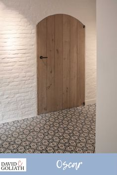 Hall with David&Goliath cement tile Oscar Black Client installation Cosy House, Casa Patio, Interior Decorating, Interior Design, House Of Cards, Entrance Hall, Interior And Exterior, Home Goods, Decoration