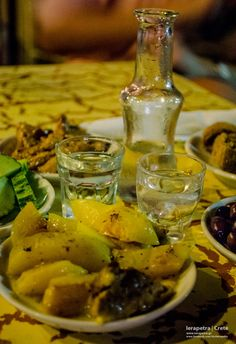 It's time for a Raki drink with delicious Cretan mezes Ya mas! Crete Island, Crete Greece, Greek Recipes, Happy Hour, Blood, Heaven, Vegetarian, Herbs, Favorite Recipes